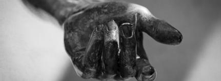 Hand einer Statue